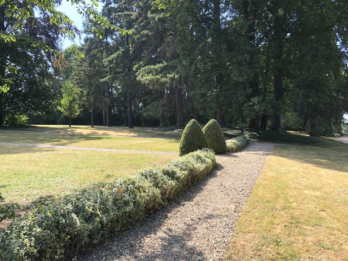 Le château est entouré d'un parc de 1,5 hectare